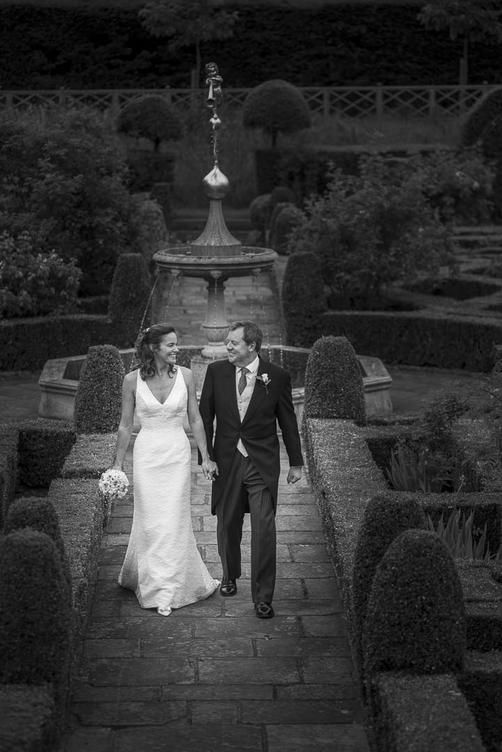 London Wedding Photographer - Hatfield House with Andrew and Sharon